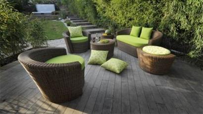Moderne sede ne vrtne garniture - Coperture impermeabili mobili da giardino ...