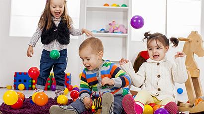 Rezultat iskanja slik za otroci se igrajo