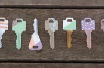 diy-painted-nailpolish-keys-1024x682_Fotor
