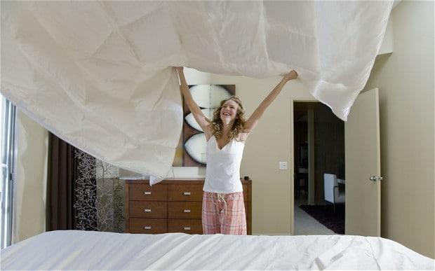 Z rednim menjavenjem posteljnine in uporabo proti alergijskih prevlek boste zmanjšali težave! Vir: http://www.telegraph.co.uk/lifestyle/10796021/The-dirty-secrets-of-Britains-bedrooms-get-a-public-airing.html