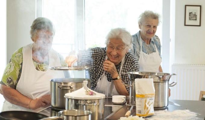 Babice so znale pričarati prave dobrote s skromnimi sestavinami! Vir: mitvergungen.com