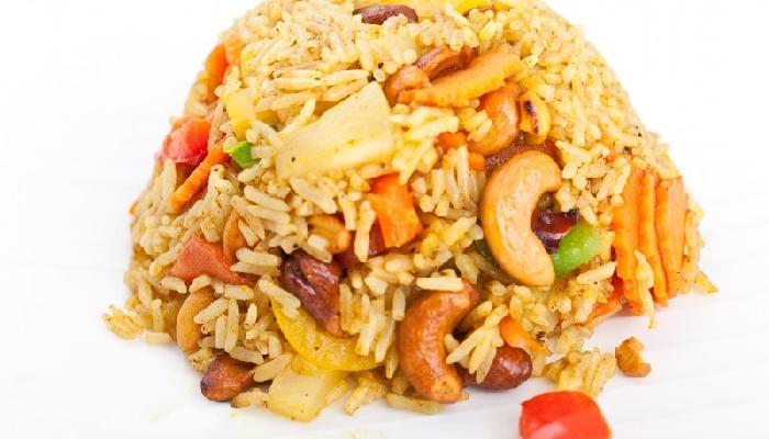 Tudi brez glutena lahko uživate v slastnih jedeh! Jedi iz riža so lahko prava poslastica. Vir: bangkokstreet.si