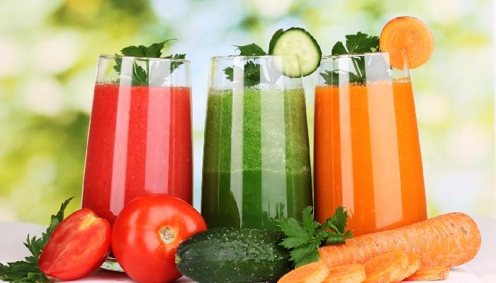 S sočenjem sadja in zelenjave lahko premagamo številne bolezni. Vir: consciouslifenews.com