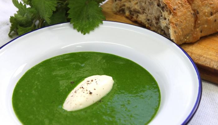 Iz kopriv lahko pripravite zelo okusno in zdravo >>špinačo<<. Vir: hardboiledchef.blogspot.si