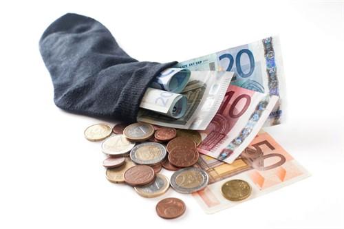 money-in-sock-euro-1236364-639x426 (500 x 333)