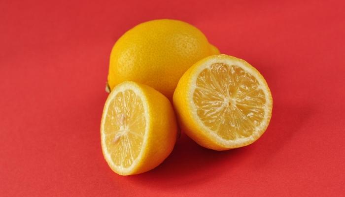 Ne zavrzite koščic. Sadika limone lahko stane 10 ali 20 evrov! Vir: simplemostcom